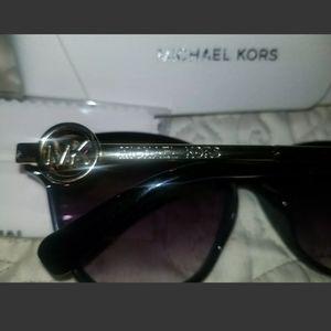 Michael Kors Other - Michael Kors Women's Gradient Black Sunglasses